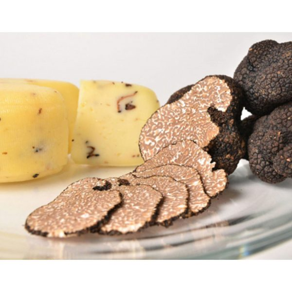 Cow cheese with truffles karlic 2